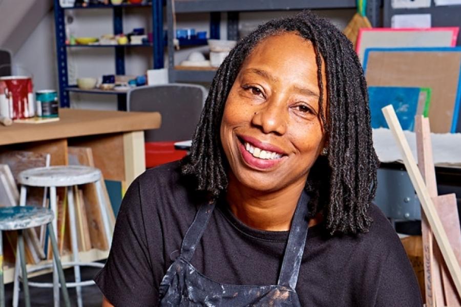 portrait of Pamela Smith Hudson in the studio